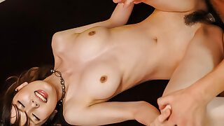 Yui Hatano leaves horny man to play with her clit